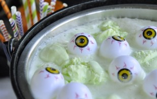 10 Halloween Drinks for Kids