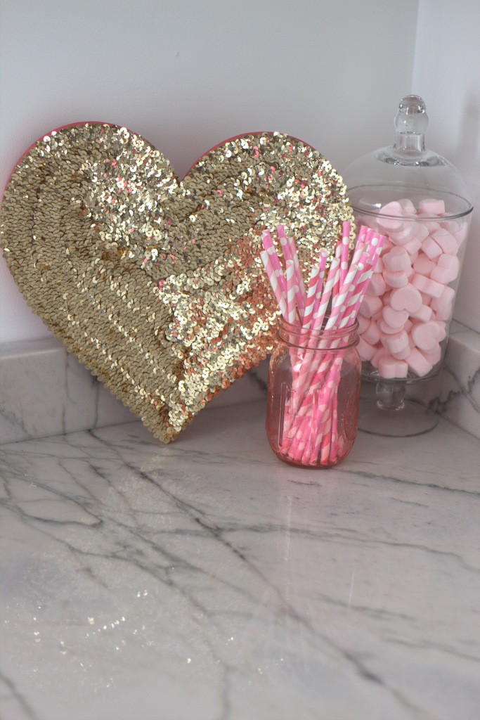 {Holidays} DIY Sequin Heart