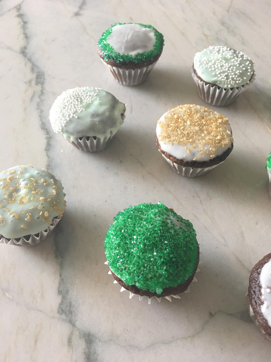 Mini Cupcakes for St. Partick's Day by Mirabelle Creations