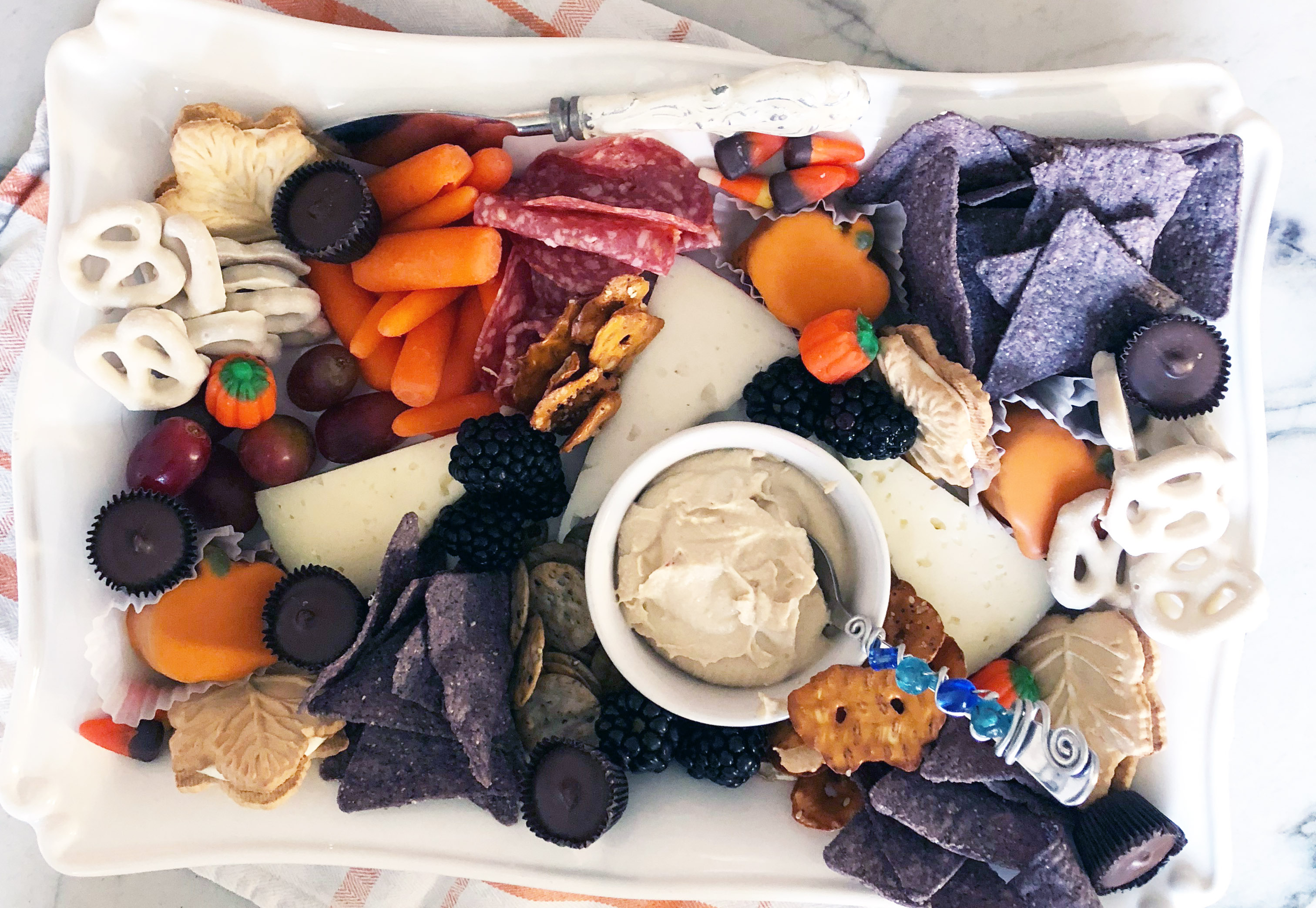 Simple Thanksgiving Appetizer – Fall Charcuterie Board